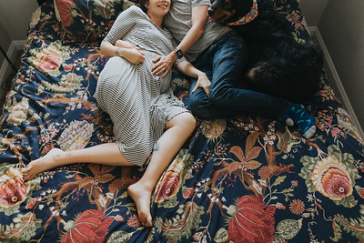 Maternity session at home
