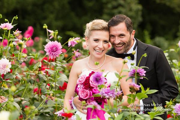 Brautpaar im Schloss Dyck bei der standesamtlichen Hochzeit