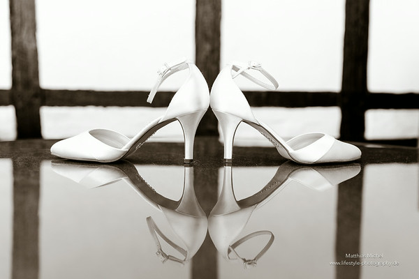 Getting ready - Brautschuhe - Heiraten im Schloss Dyck - Hochzeit
