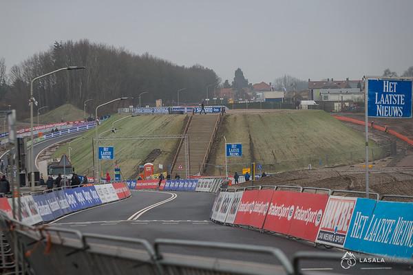 The start/finish straight at the Hoogerheide Cyclo-cross World Cup on January 23, 2016 in Hoogerheide, The Netherlands. Photo: Matthew Lasala