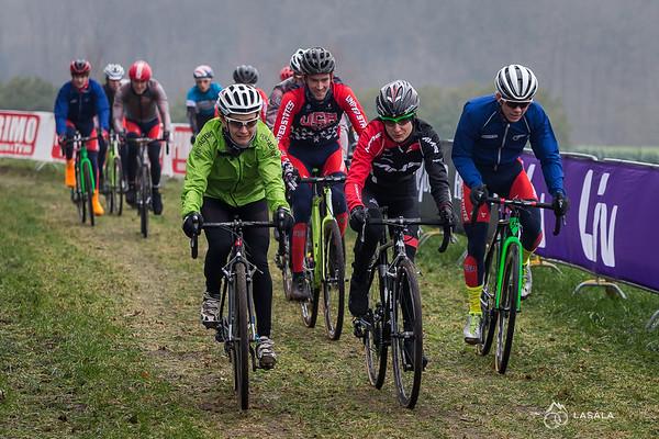 A large group on the pre-ride at the Hoogerheide Cyclo-cross World Cup on January 23, 2016 in Hoogerheide, The Netherlands. Photo: Matthew Lasala