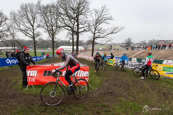 Gage Hecht takes a turn on the pre-ride at the Hoogerheide Cyclo-cross World Cup on January 23, 2016 in Hoogerheide, The Netherlands. Photo: Matthew Lasala