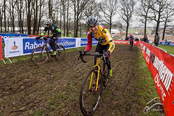 Allen Krughoff seems to be enjoying the pre-ride at the Hoogerheide Cyclo-cross World Cup on January 23, 2016 in Hoogerheide, The Netherlands. Photo: Matthew Lasala