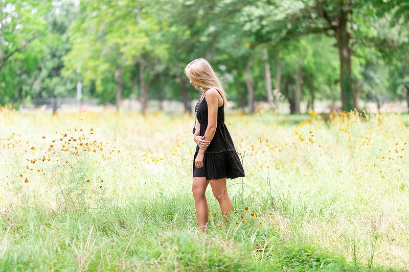 Best Senior Photographers in Katy, TX | Hannah Berstch