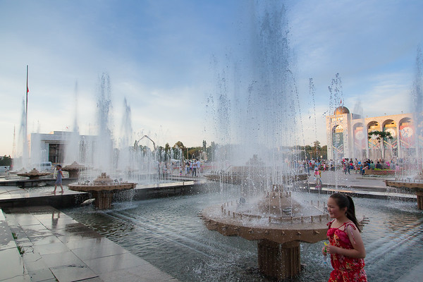 Ala-Too Square serves today as a place for state events and celebrations, and on a normal day is flooded with Kyrgyz tourists taking picture, couples having a walk, and kids running around.