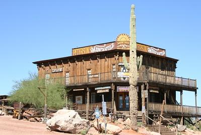 Driving up to Canyon Lake, Arizona