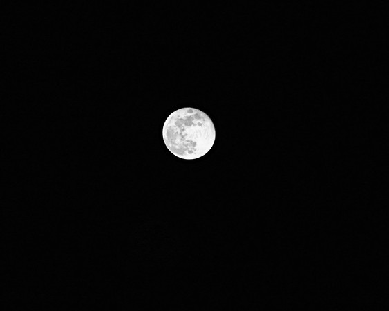 December 24, 2007 Full moon in black and white