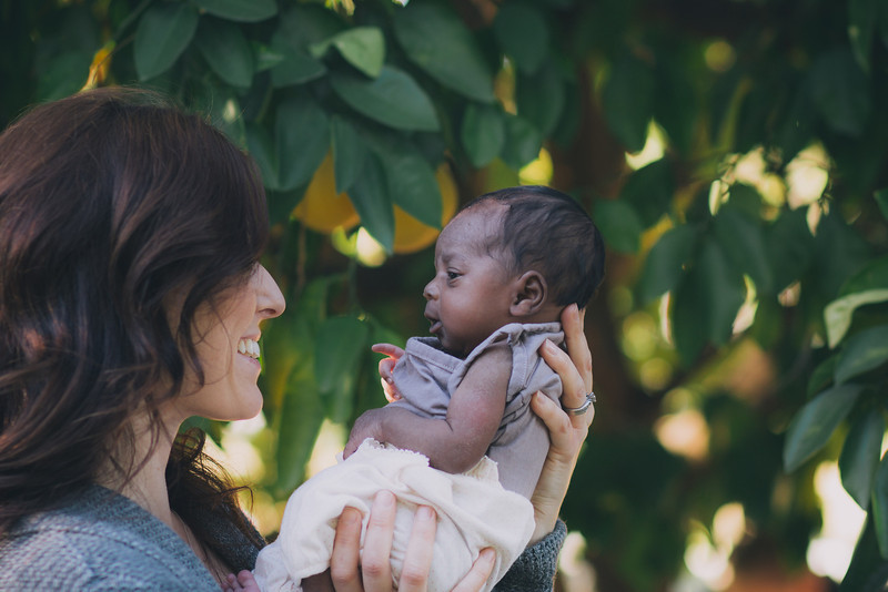 Meeting Noa {Alysa Bajenaru Photography} #adoption #photography