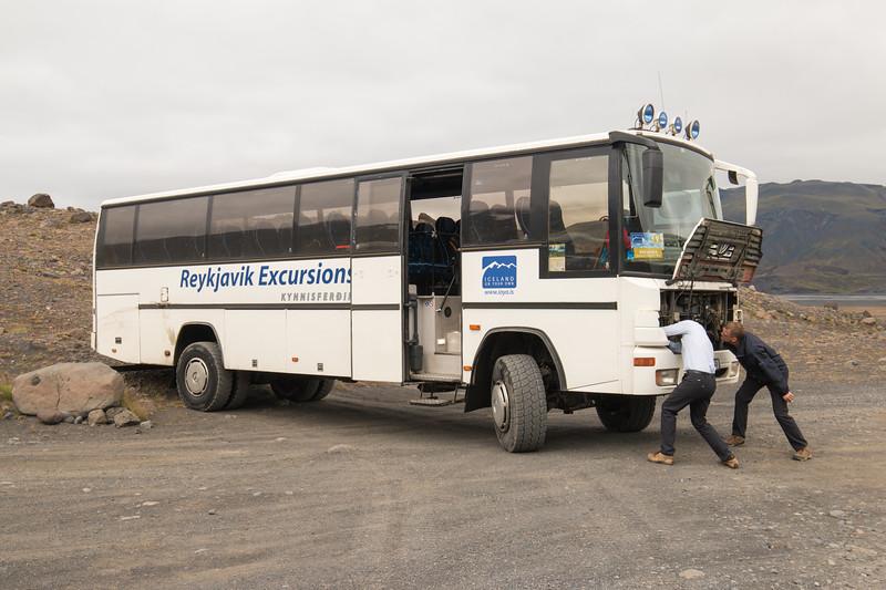 Bus to Thórsmörk