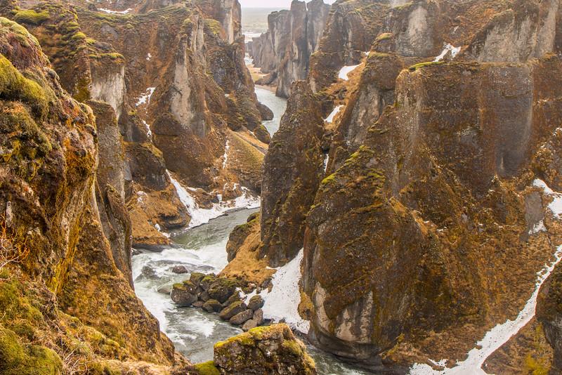 Winter at Fjaðrárgljúfur canyon