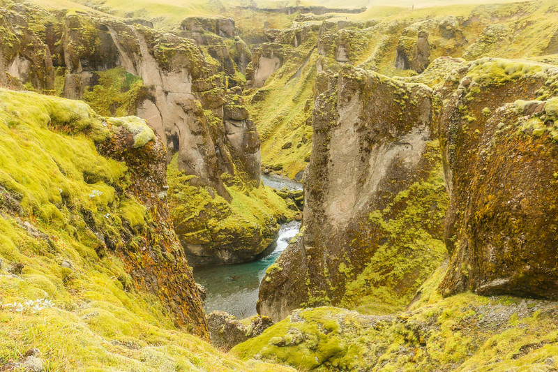 Top of Fjaðrárgljúfur canyon
