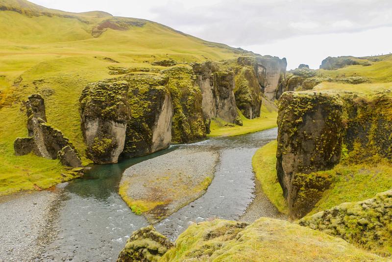 Fjaðrárgljúfur canyon entrance