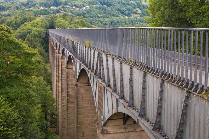 Side view of Pontcysyllte aqueduct, Wales