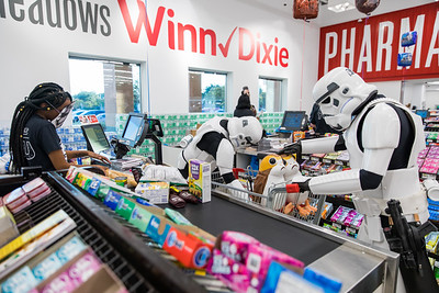2017 Winn-Dixie Star Wars Black Friday 077A - Deremer Studios LLC