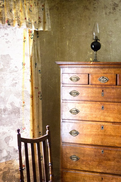 Shaker inspired dresser with chair