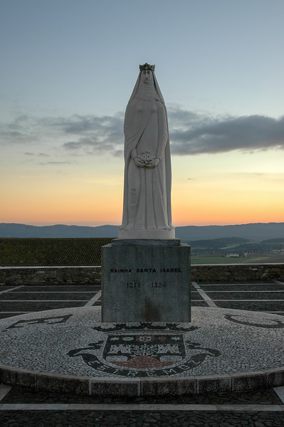 Estremoz, Standbeeld van de heilige Elisabeth van Portugal
