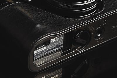 Fuji X100T Gariz Half Case