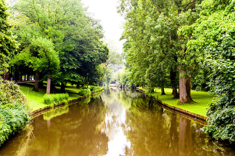 I recently went on a trip to Brussels, Belgium for work.  I had an opportunity, during some downtime to take some photographs.  Belgium is a beautiful country, the people are awesome and the scenery is breathtaking.  This river flowed in Bruges, a town about an hour from Brussels.  Bruges is known for keeping it's medieval feel and is a tourist hotspot for Belgium.