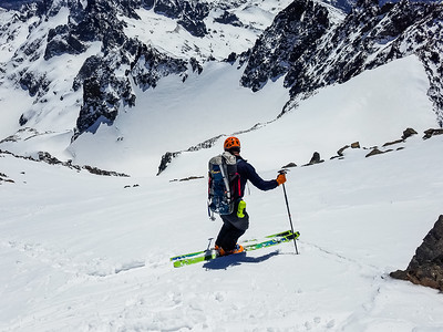 Ready to ski from summit of Mt Ritter