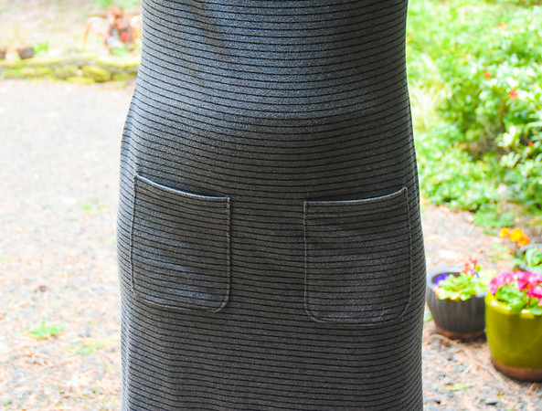 I added my usual pocket pattern (same as my maxi dress and Renfrew hack).