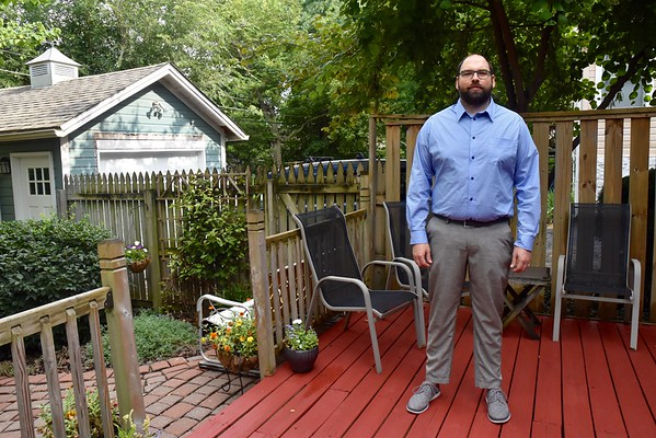 A stretchy cotton button-up shirt and another attempt at skinny Jeds.