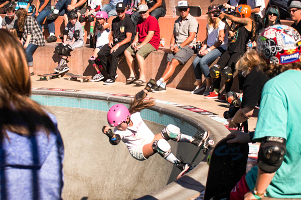 Relz Murphy with a frontside grinder in the bowl.