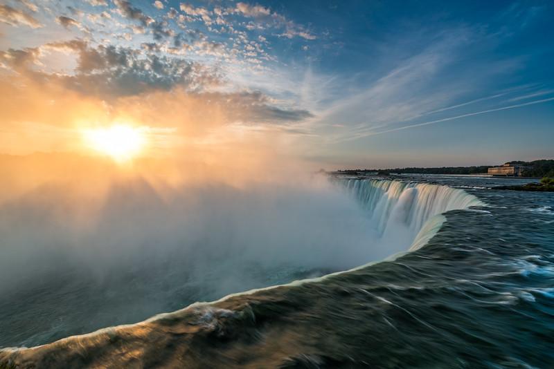 Sunrise at Horseshoe Falls