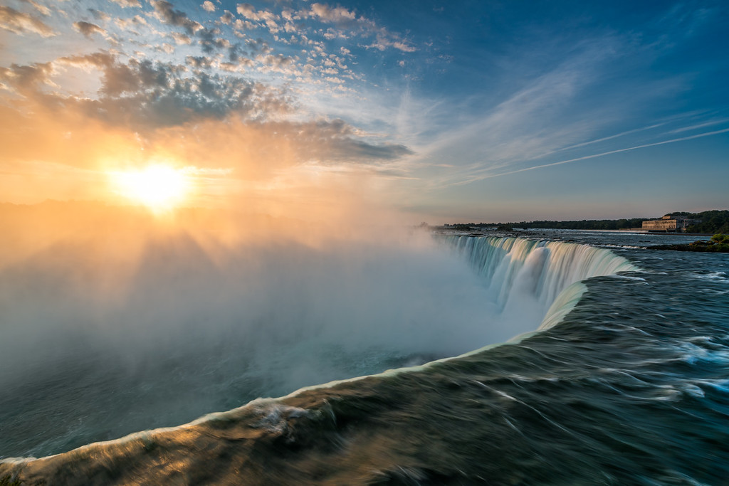 Sunrise at Horseshoe Falls