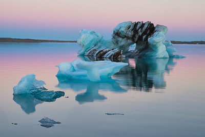 Iceberg under the midnight sun