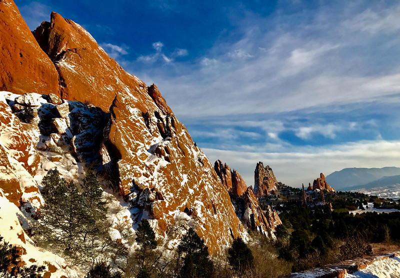 I had my fill of the cold, so I was happy to spend that afternoon at lunch and visiting Garden of the Gods from the warm comforts of Jennifer's uncle's car.