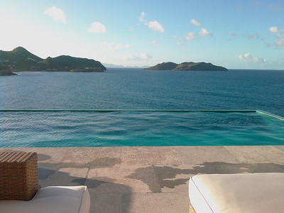 Travel - third step  Hello from St Barth!! Trip was ok, on time, I have slept a lot. Wifi is also working in the villa :) Swimming-pool already tested. The villa is crazy. Again, this very special atmosphere. And 28°C!