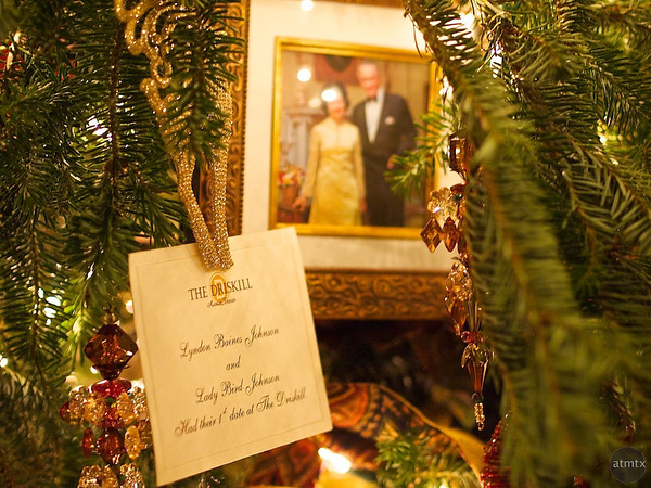 2011 Driskill Christmas Tree Details #2