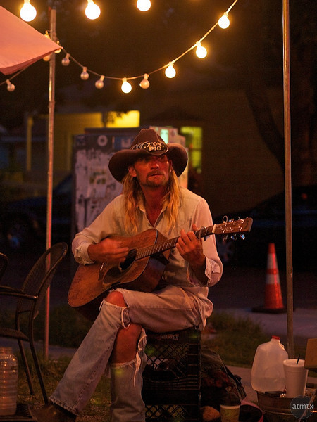 Performer at Hey Cupcake, Soco - Austin, Texas
