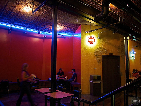 Color Contrast, Austin's Pizza - Austin, Texas