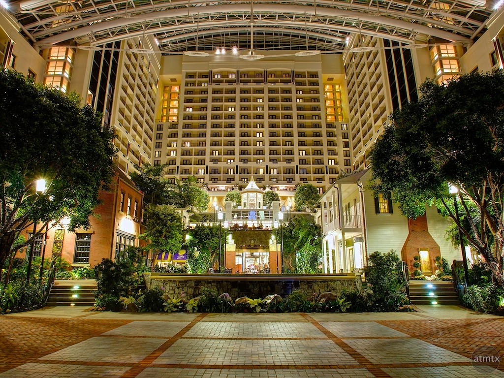 An Enclosed City, Gaylord National Resort - National Harbor, Maryland