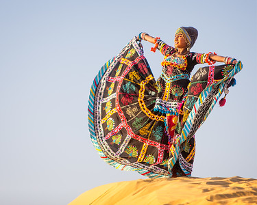 Homage to the Sun (Jaisalmer, India 2015)
