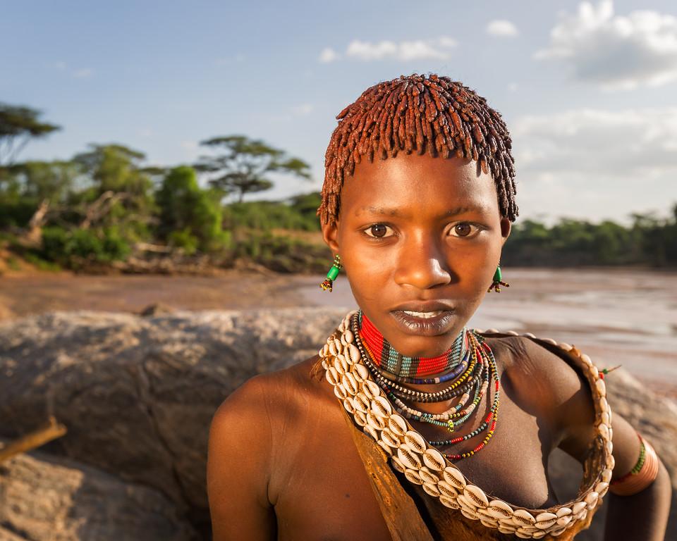 Young Hamer Woman at the Keske river crossing (Turmi, Ethiopia 2014)