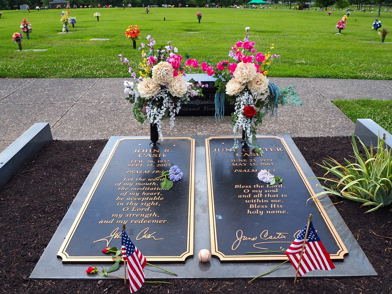 The graves of Johnny and June Cash