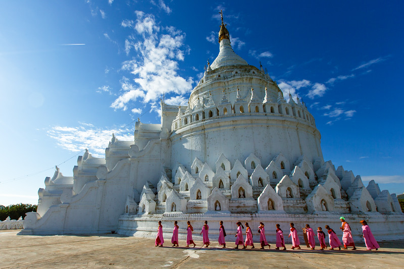 Thilashins  touring the pristine Hsinbyume Pagoda (Mingun, Myanmar 2013)