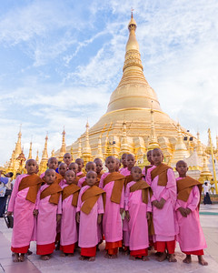 Pilgrimage to the Shwedagon Pagoda (Yangon, Myanmar 2013)