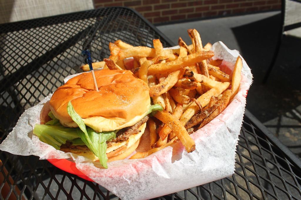 Village Burger dunwoody
