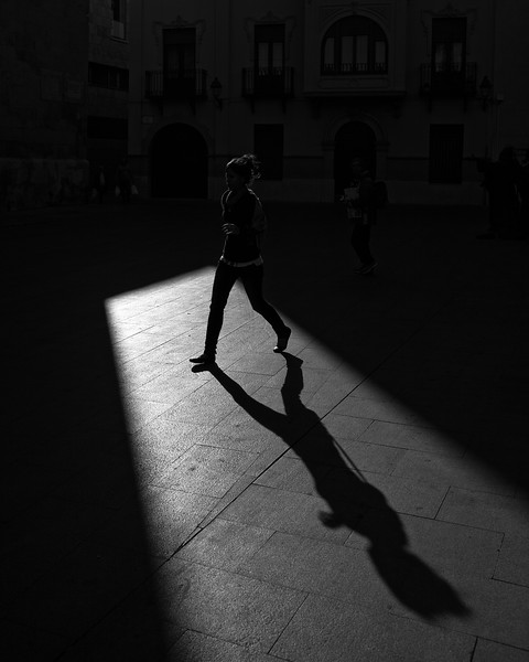 Crossing Shadows (Elche, Spain 2010)
