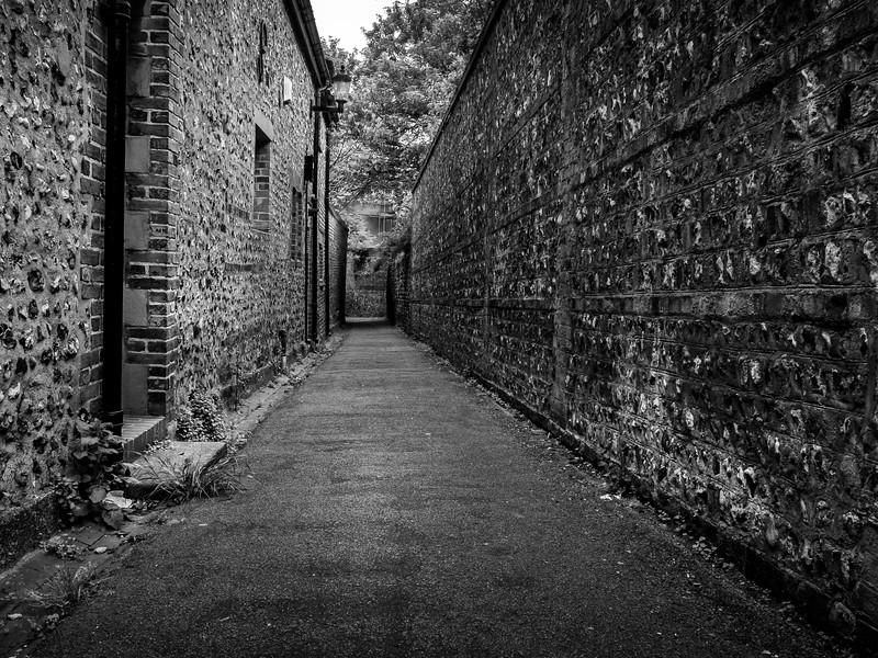 Church Twitten, Lewes