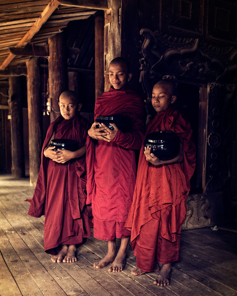 Three novice monks at the Nat Taung Kyaung Monastery (Bagan, Myanmar 2013)