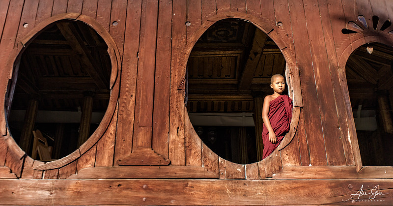 Monk at the Shwe Yan Pyay Monastery (Inle Lake, Myanmar 2013)