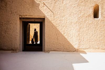 Through the shadows of Al Qabasah (Bahla, Sultanate of Oman, 2017)