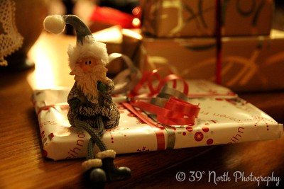 Sitting Santa by Verena T.