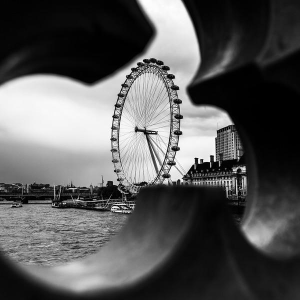 "Captured by  <a href=""http://www.jasonwells.co.uk"">http://www.jasonwells.co.uk</a>"