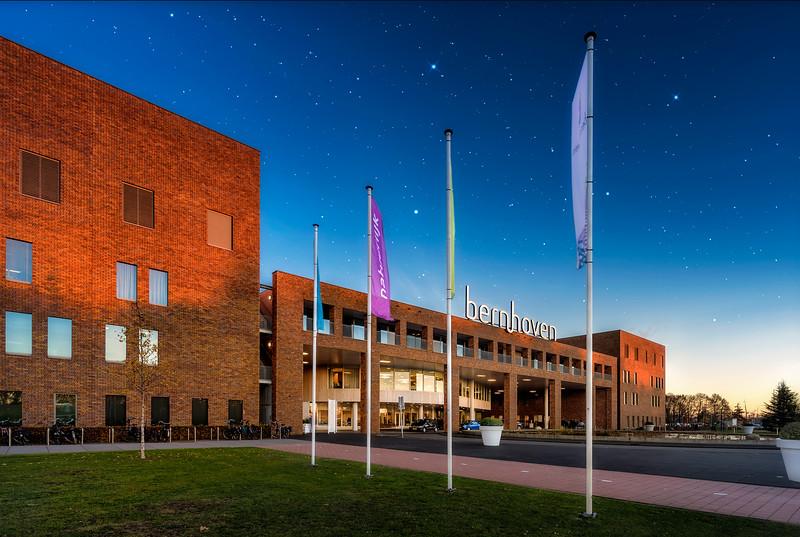 Ziekenhuis Bernhoven Uden   Foto Architectuur Gebouw Vooraanzicht Fine Art Impressie Architectural Photography Hospital