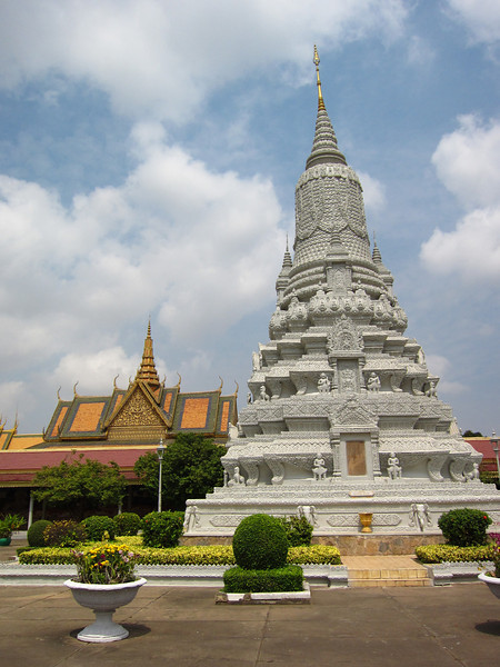 "A <a href=""http://en.wikipedia.org/wiki/Stupa"">stupa</a> outside the Silver Pagoda"